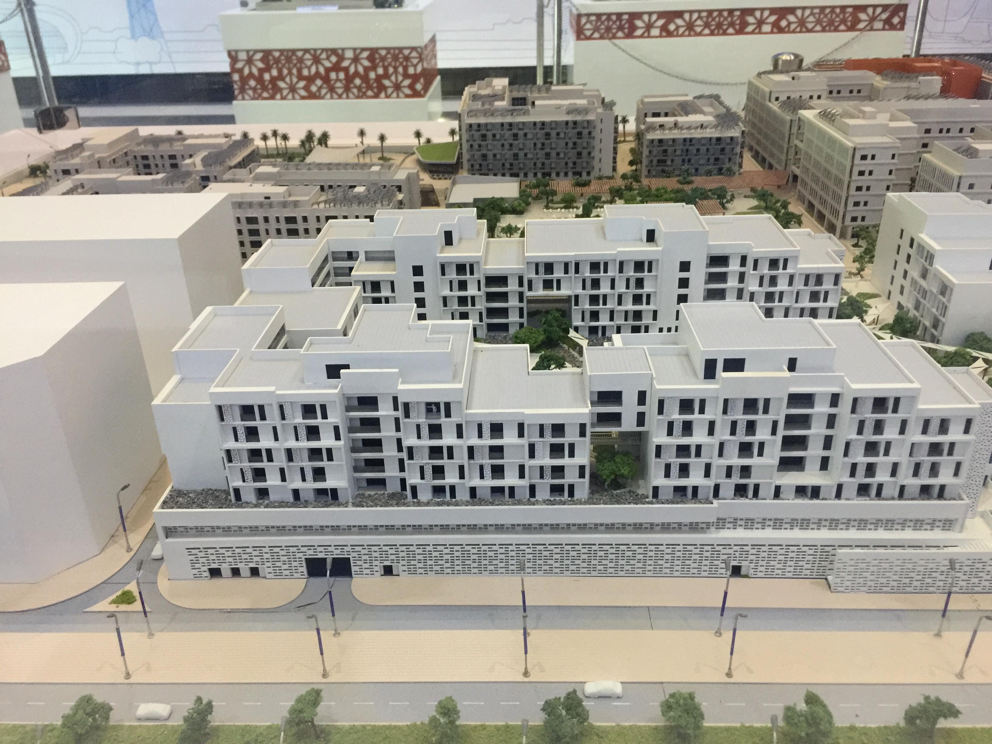 ماكيت لمباني يتم إنشائها حاليا ذاتية الطاقة  (2)
