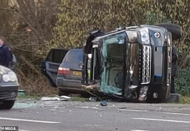 سيارة الامير فيليب بعد الحادثة