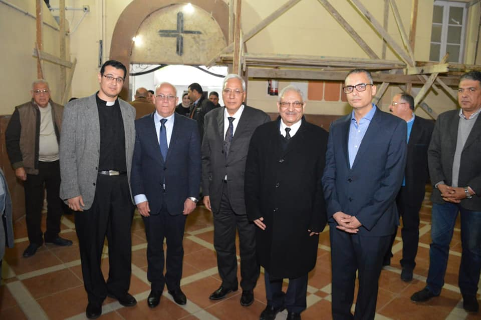 عزاء الراحل الدكتور حلمى قادس راعى الكنيسة الإنجيلية ببورسعيد (4)