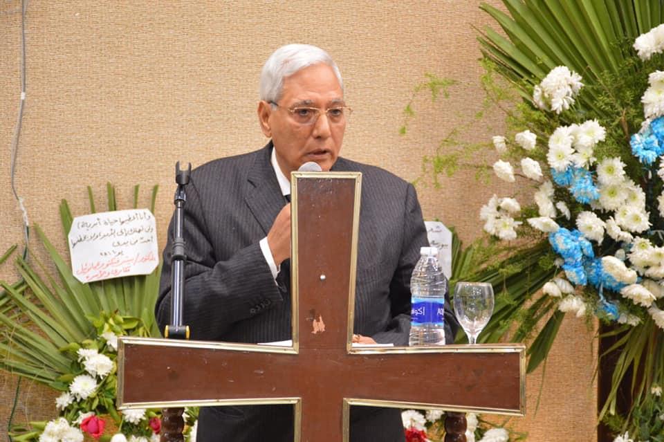 عزاء الراحل الدكتور حلمى قادس راعى الكنيسة الإنجيلية ببورسعيد (3)