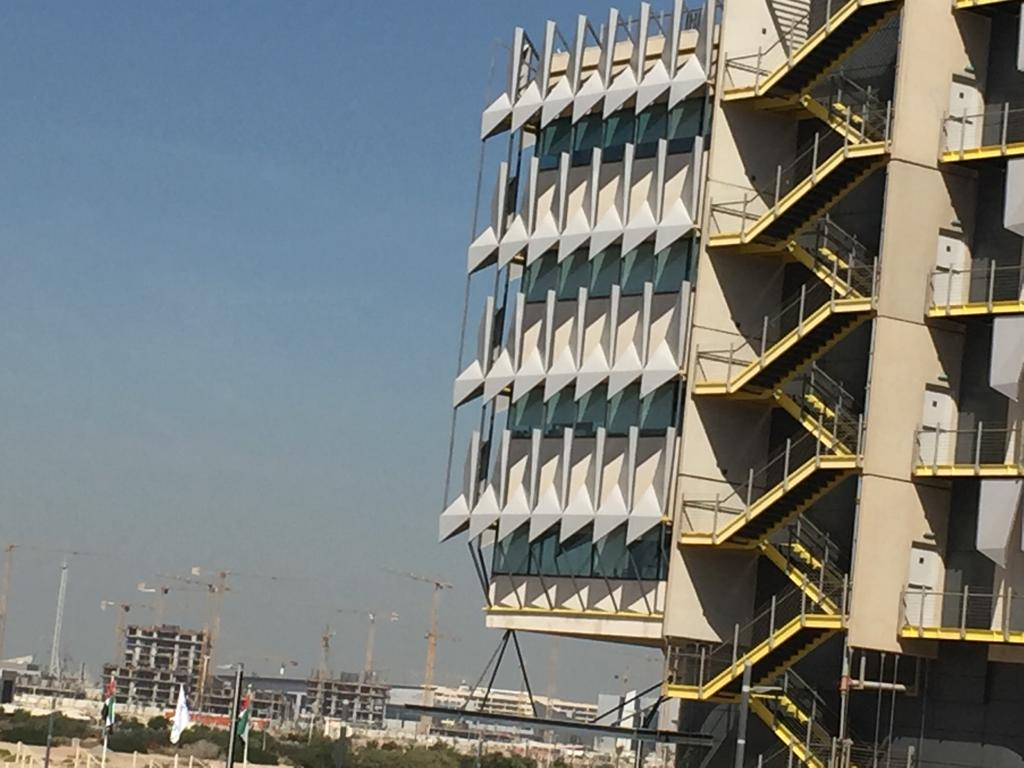 استخدامات الطاقة النظيفة في البناء والتصميم للمباني (7)