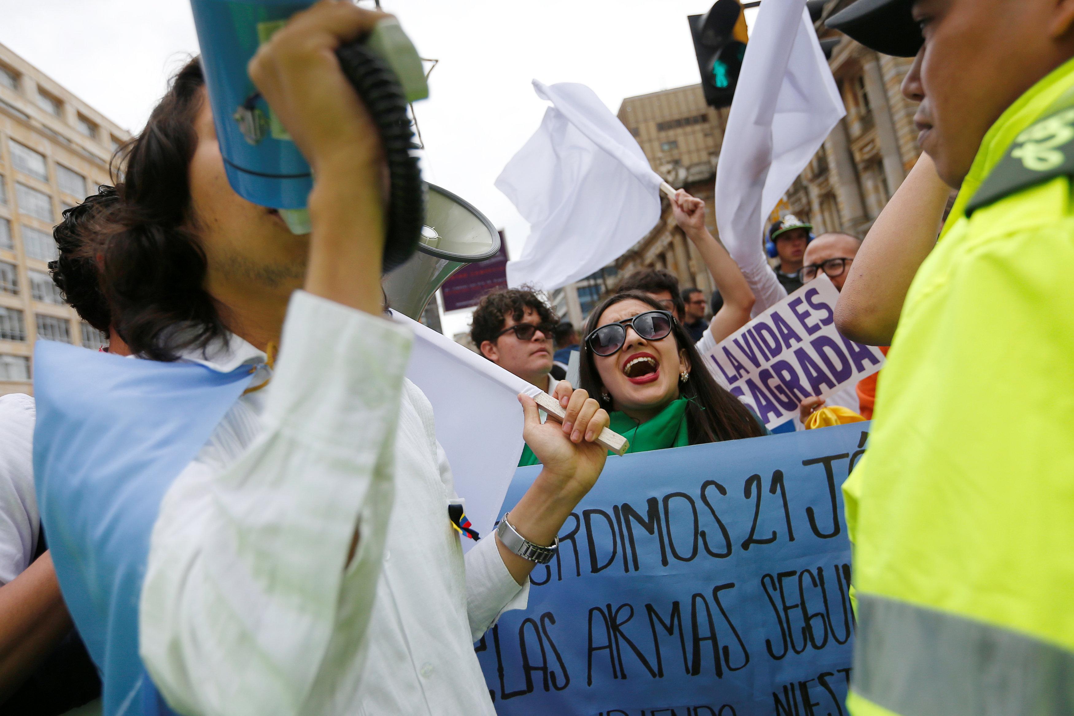 مسيرة ضد العنف فى كولومبيا (7)