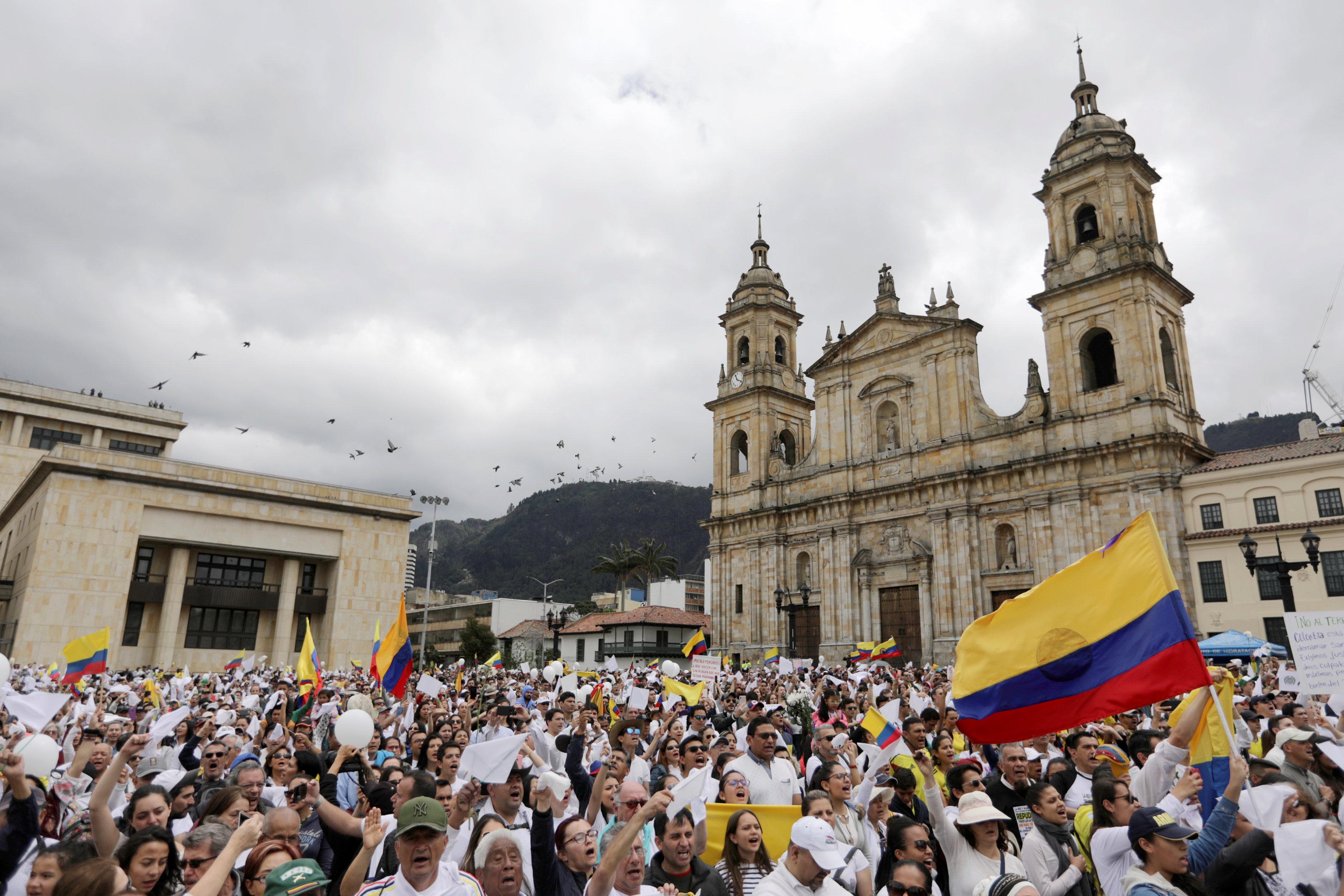 مسيرة ضد العنف فى كولومبيا (5)