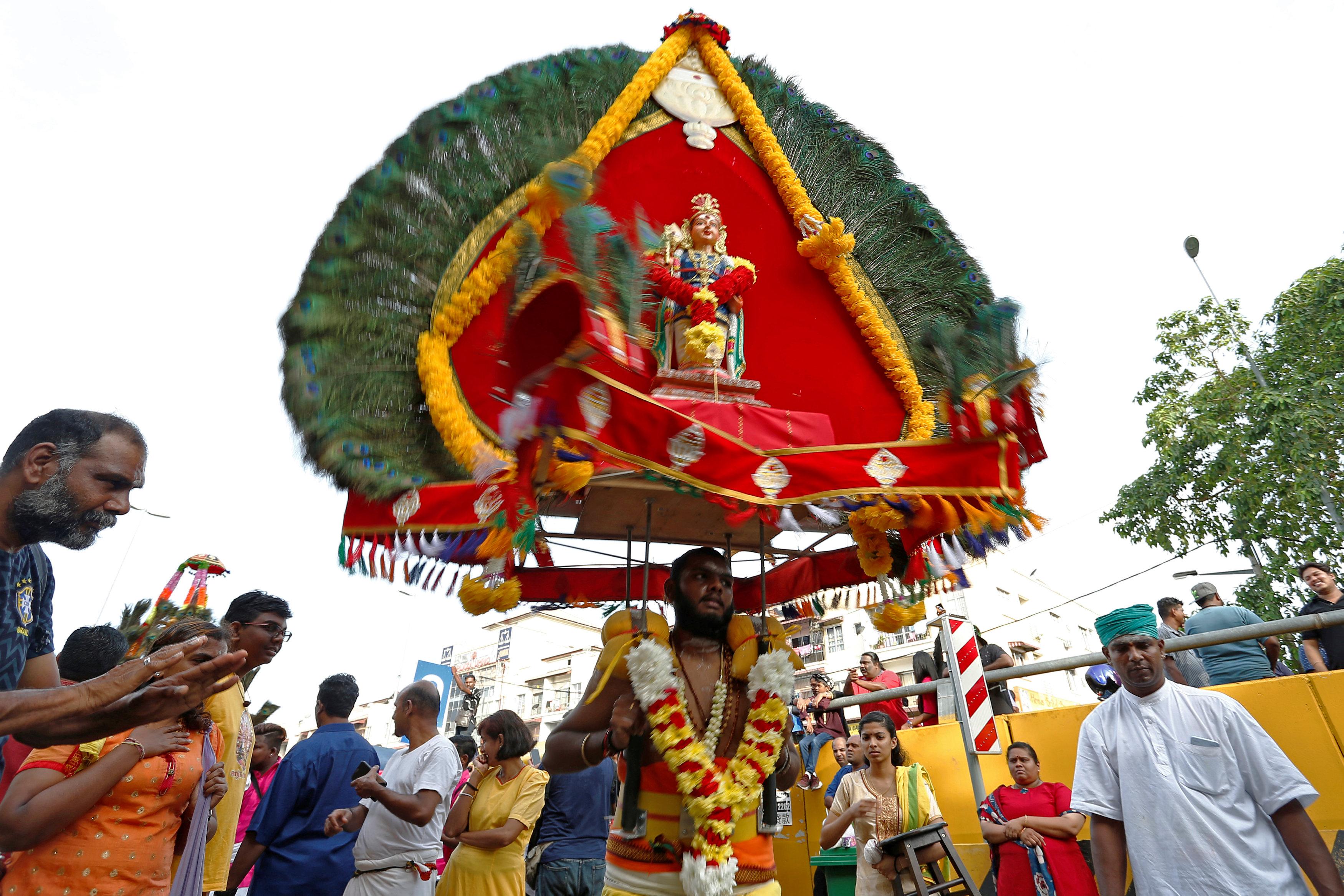 احتفالات دموية فى ماليزيا  (5)