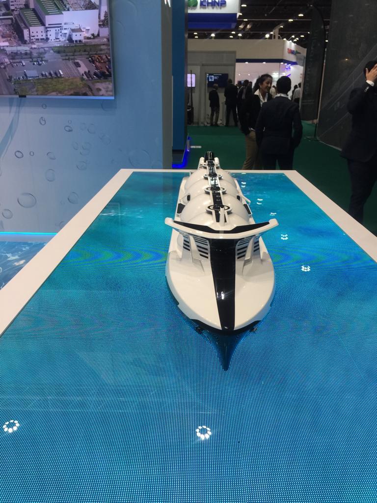 سفن نقل ركاب باستخدام الطاقة الشمسية والرياح  (2)