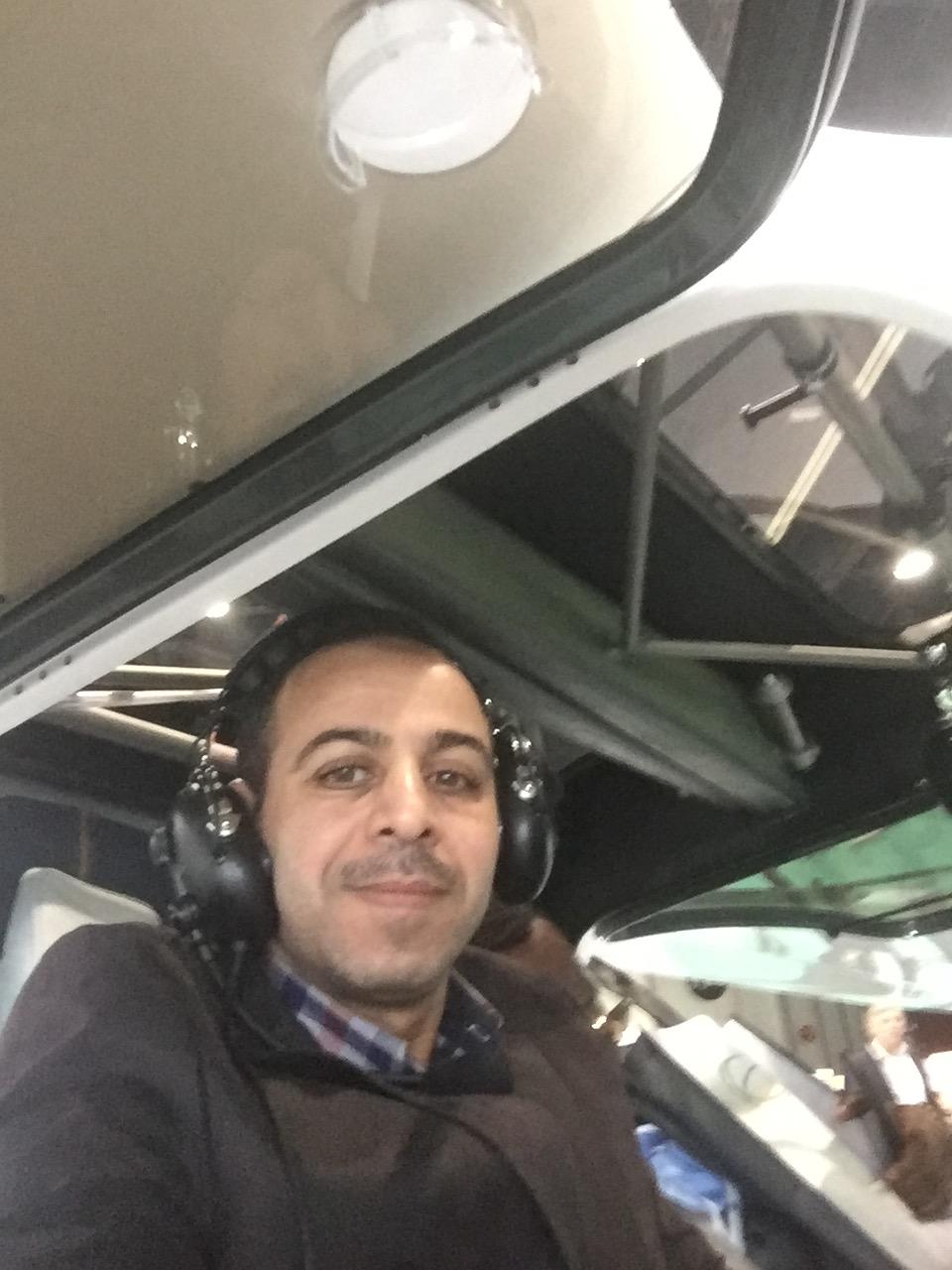 طائرة تطير 90 دقيقة بطاقة الكهرباء  (3)