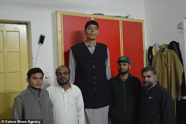 أطول رجل فى باكستان