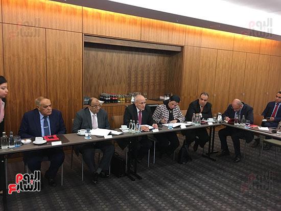 لجنة وزارية تلتقى وزير الاقتصاد والطاقة الألمانى لبحث التعاون بتدوير القمامة  (2)
