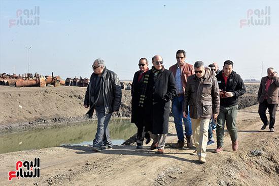 الفريق-مهاب-مميش-يتفقد-مشروع-الاستزراع-السمكى-بالإسماعيلية-(9)