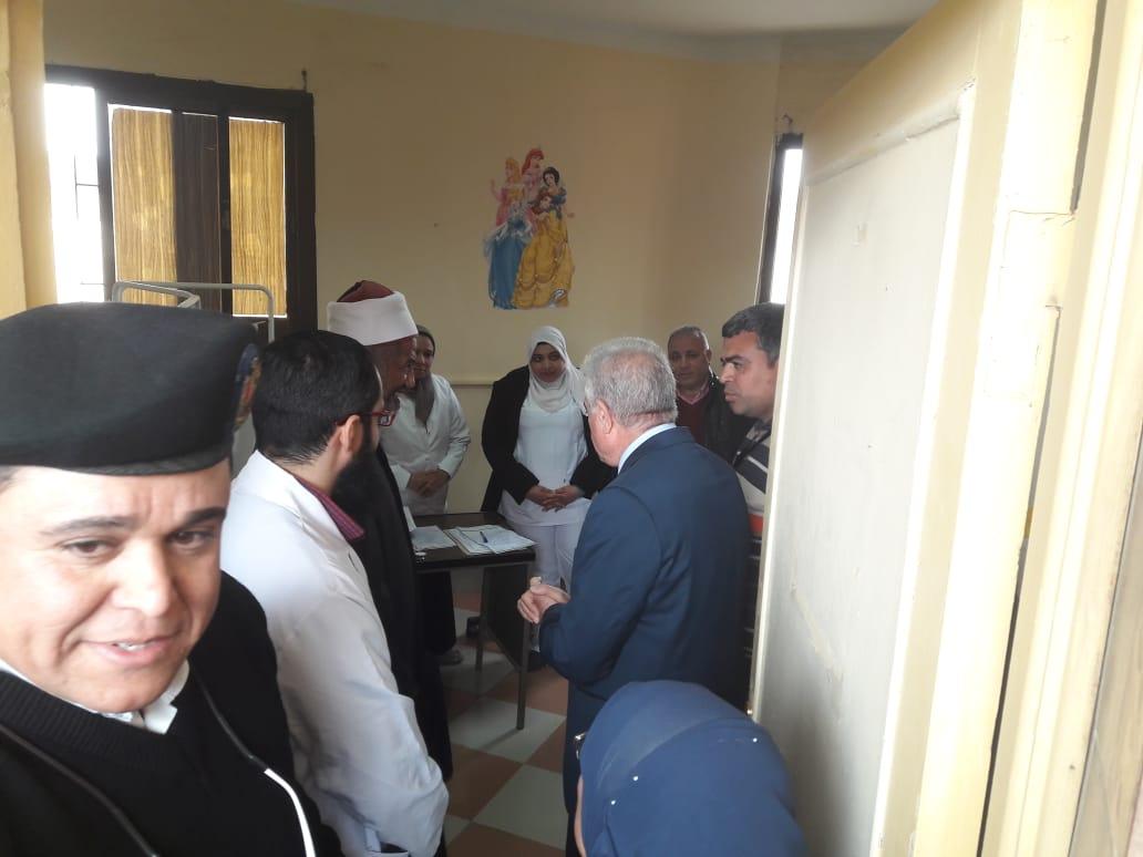 قافلة الأزهر في أبو زنيمة توقع الكشف على ٧٤٨ مريضًا (2)