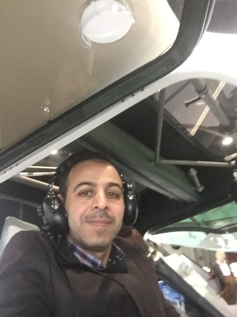 طائرة تطير 90 دقيقة بطاقة الكهرباء  (6)