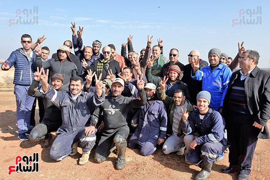 الفريق-مهاب-مميش-يتفقد-مشروع-الاستزراع-السمكى-بالإسماعيلية-(8)