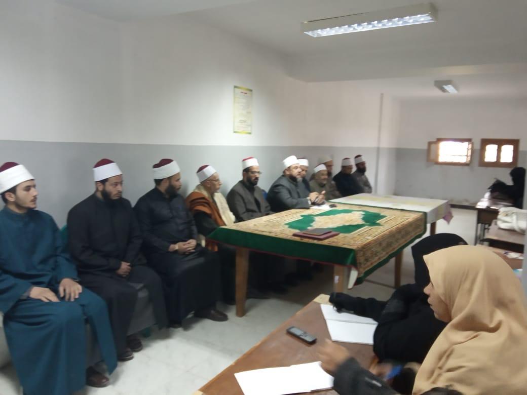 وكيل أوقاف السويس يفتتح مركز إعداد محفظي القرآن الكريم (3)
