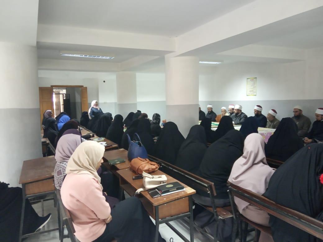 وكيل أوقاف السويس يفتتح مركز إعداد محفظي القرآن الكريم (7)