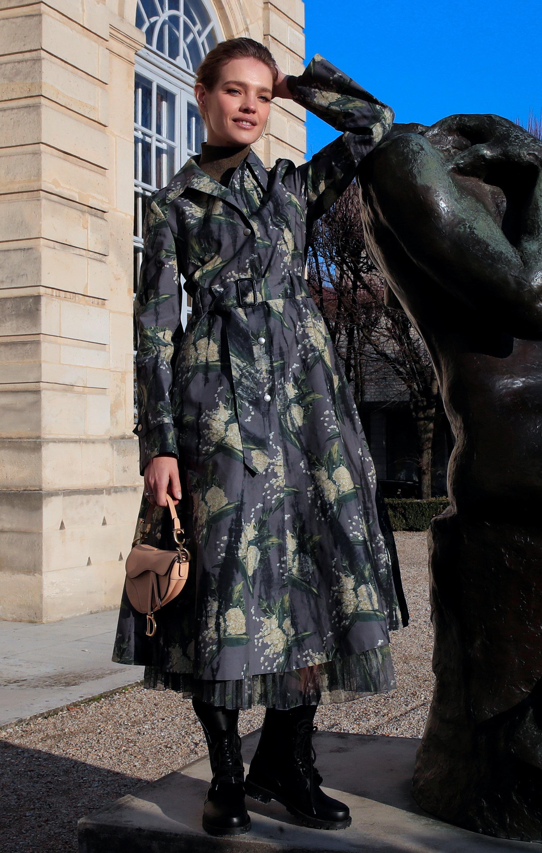 عرض أزياء ماكسيم سيمنز خلال أسبوع الموضة بباريس (9)