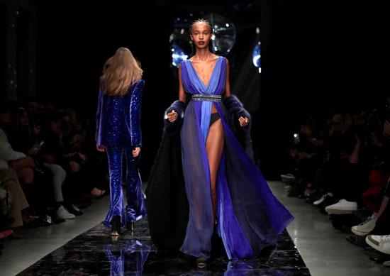 إبداعات فى عرض أزياء ماكسيم سيمنز خلال أسبوع الموضة بباريس (6)