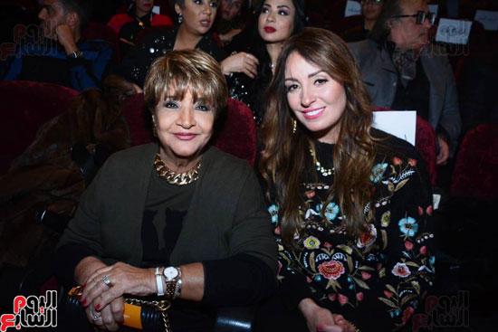 العرض الخاص لمسرحيه محمد هنيدى (7)