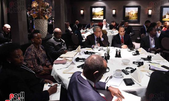 الجلسة الاولى تشكيل اجندة افريقيا فى السياق العالمي  (7)