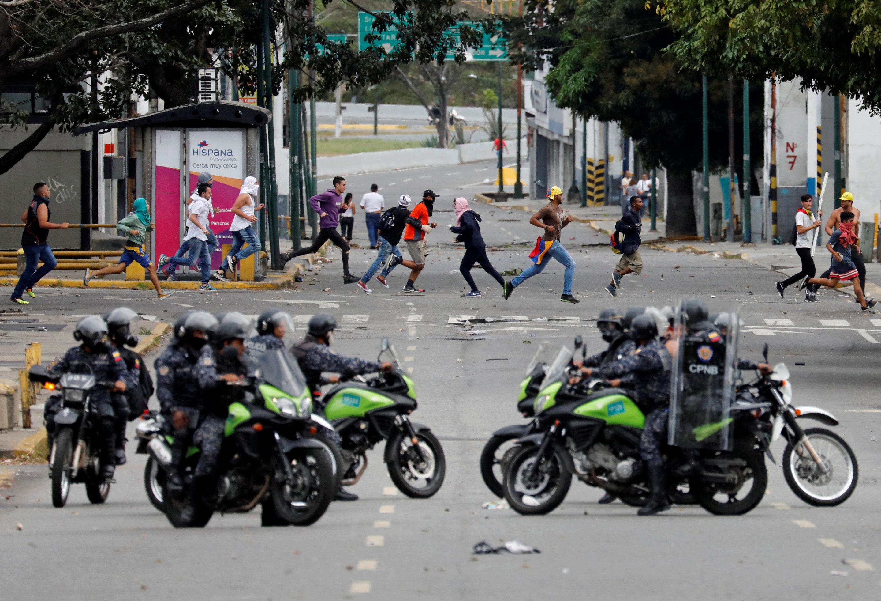 جانب من العنف فى فنزويلا (6)