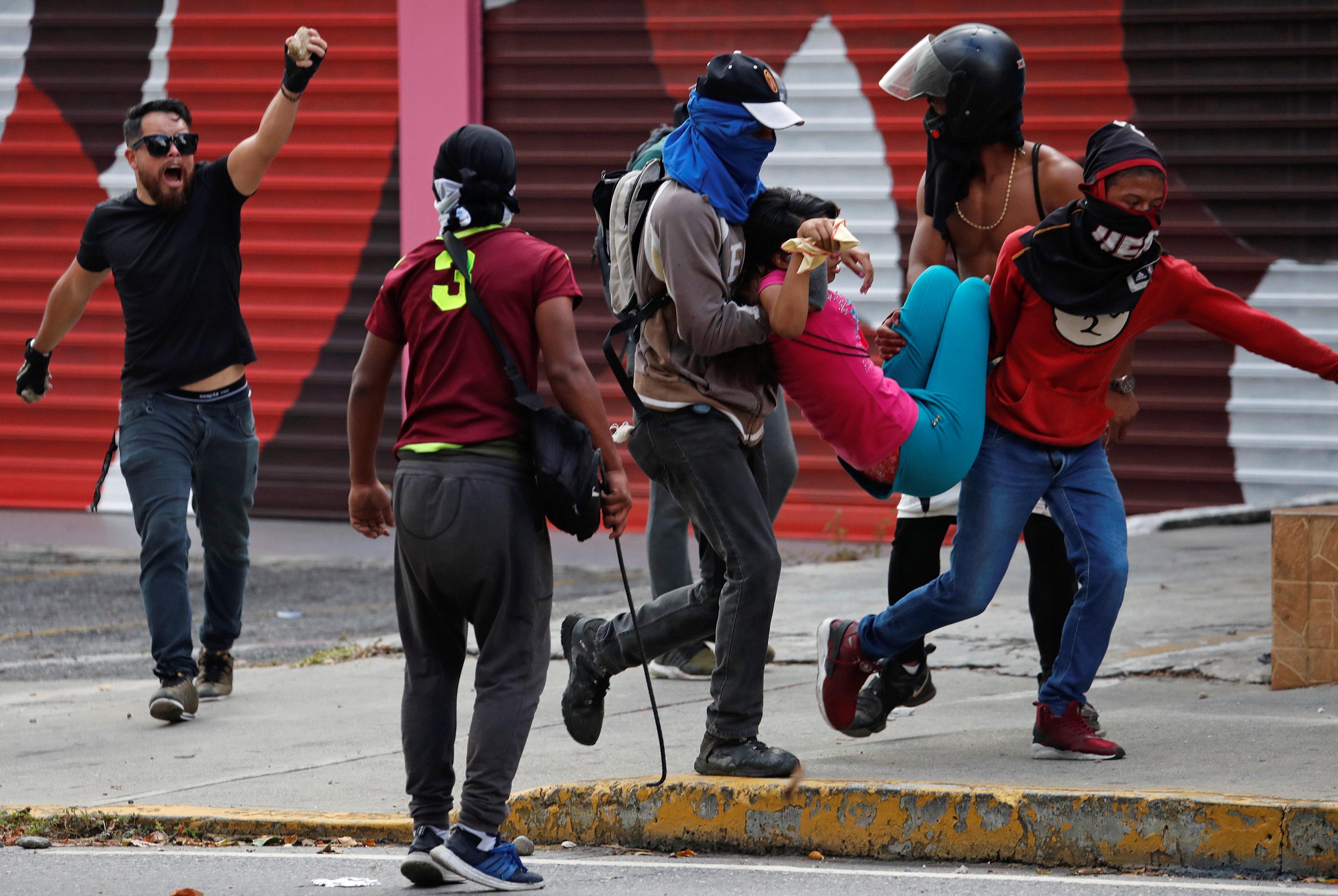 جانب من العنف فى فنزويلا (4)