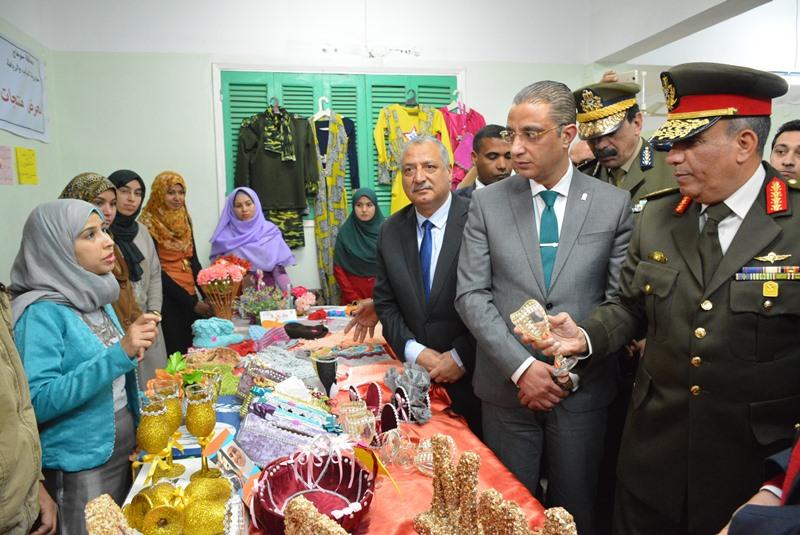 افتتاح معرض منتجات الشباب وعروض الشباب والرياضة احتفالا بـ 25 يناير واعياد الشرطة (7)