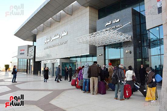 وصول أول رحلة إلى مطار سفنكس قادمة من أسوان (1)