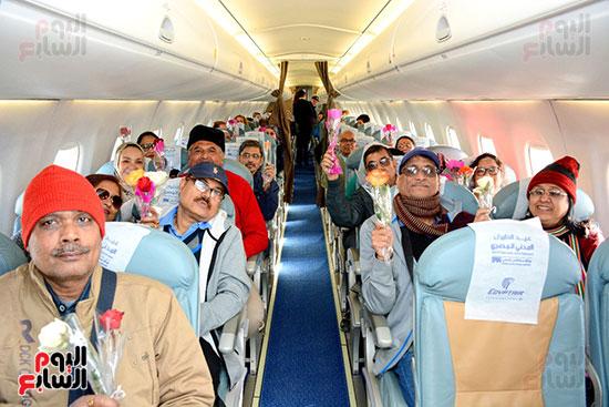 وصول أول رحلة إلى مطار سفنكس قادمة من أسوان (2)