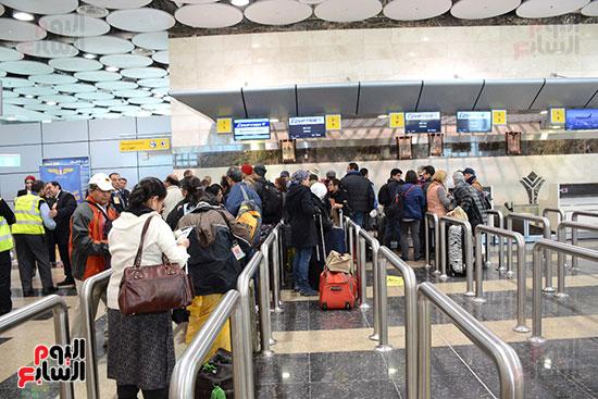 وصول أول رحلة إلى مطار سفنكس قادمة من أسوان (6)