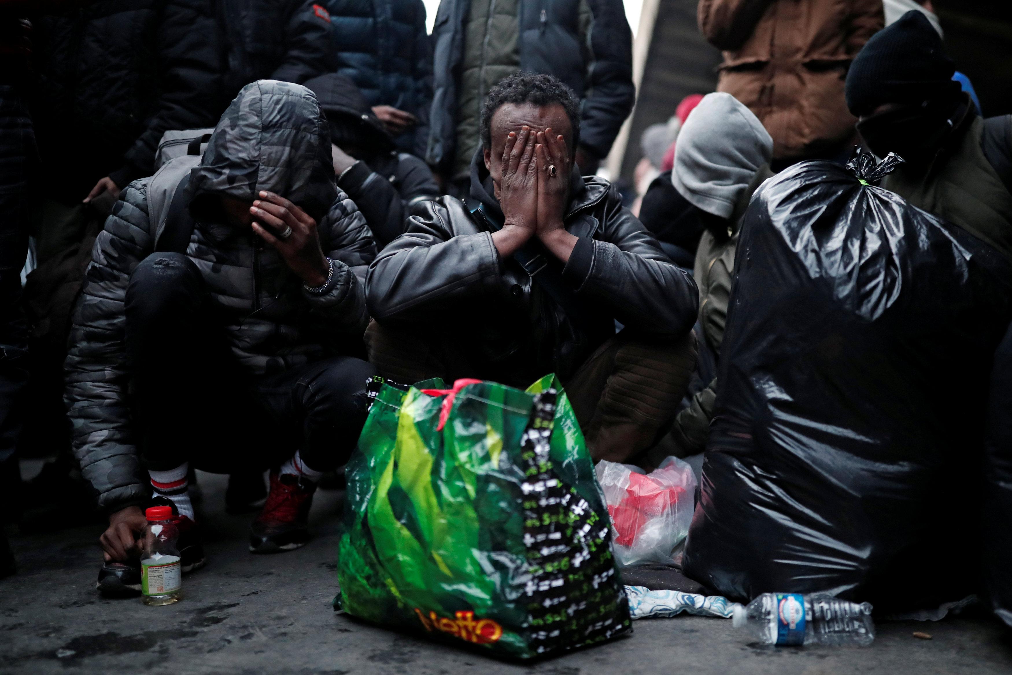 مجموعة من اللاجئين الذين تم إخلائهم