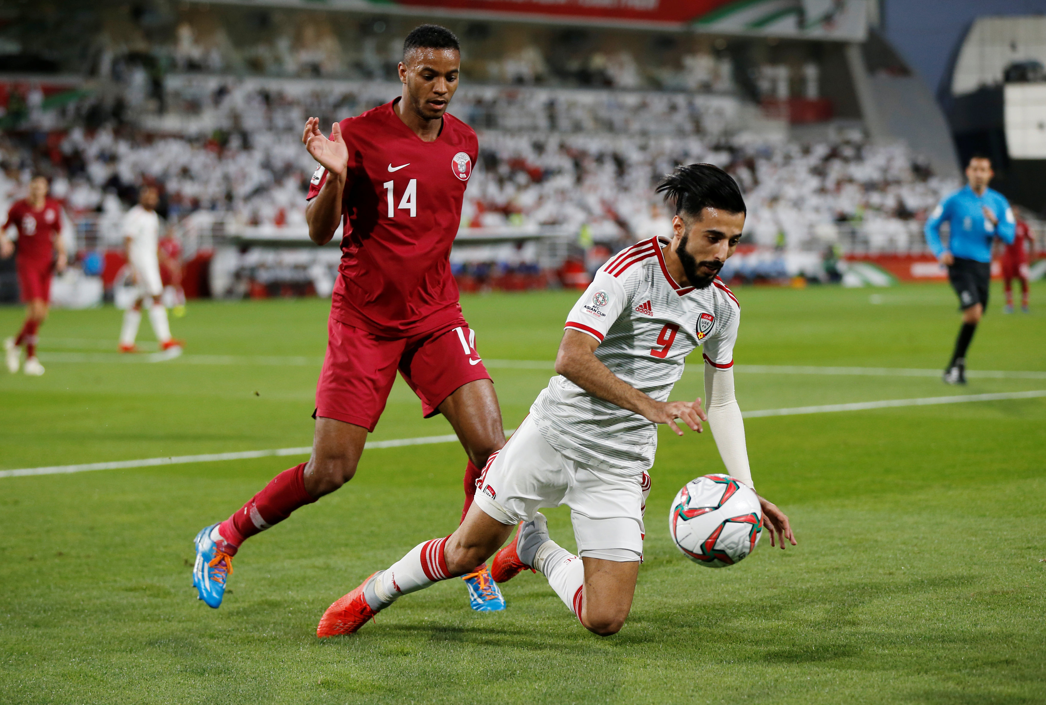 2019-01-29T145427Z_2121009037_RC18B1D3B250_RTRMADP_3_SOCCER-ASIANCUP-QAT-ARE