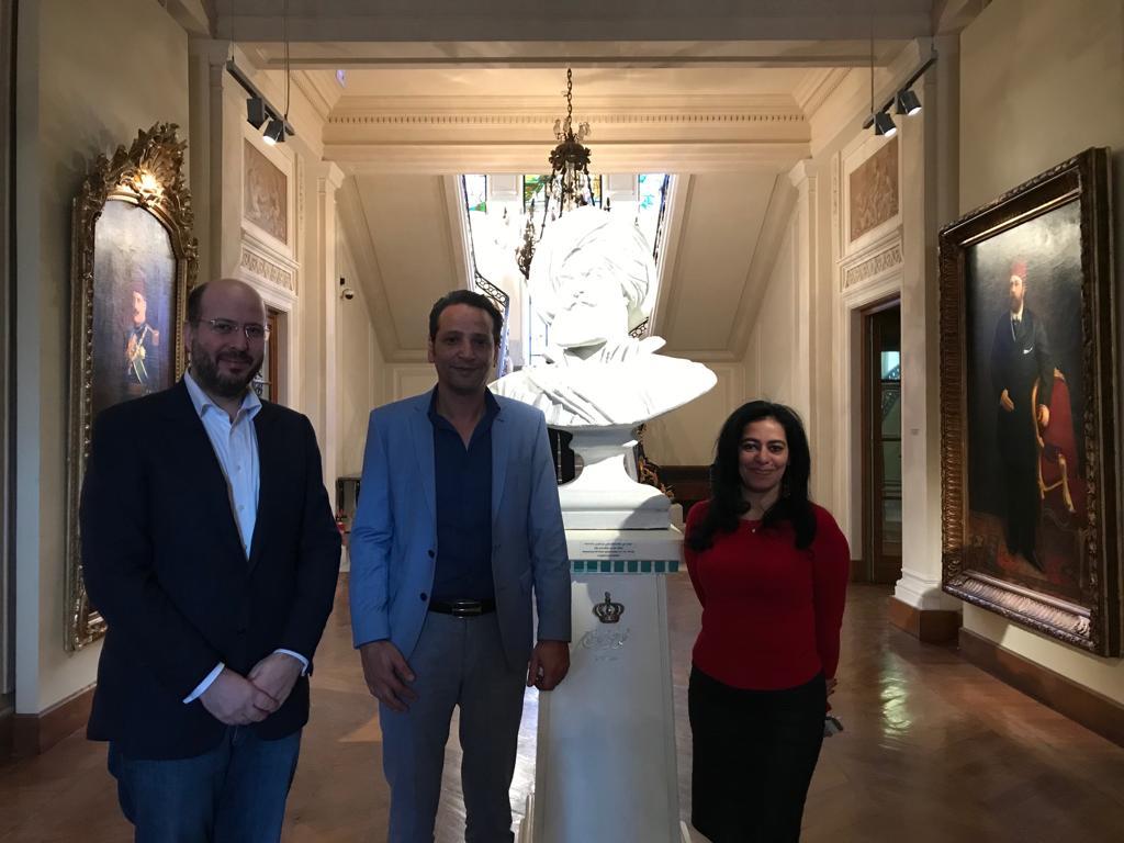 الأمير محمد على خلال زيارته لمجمع الفنون (8)