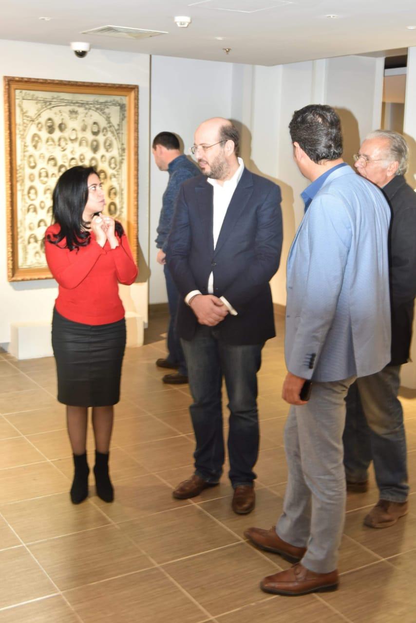 الأمير محمد على خلال زيارته لمجمع الفنون (4)