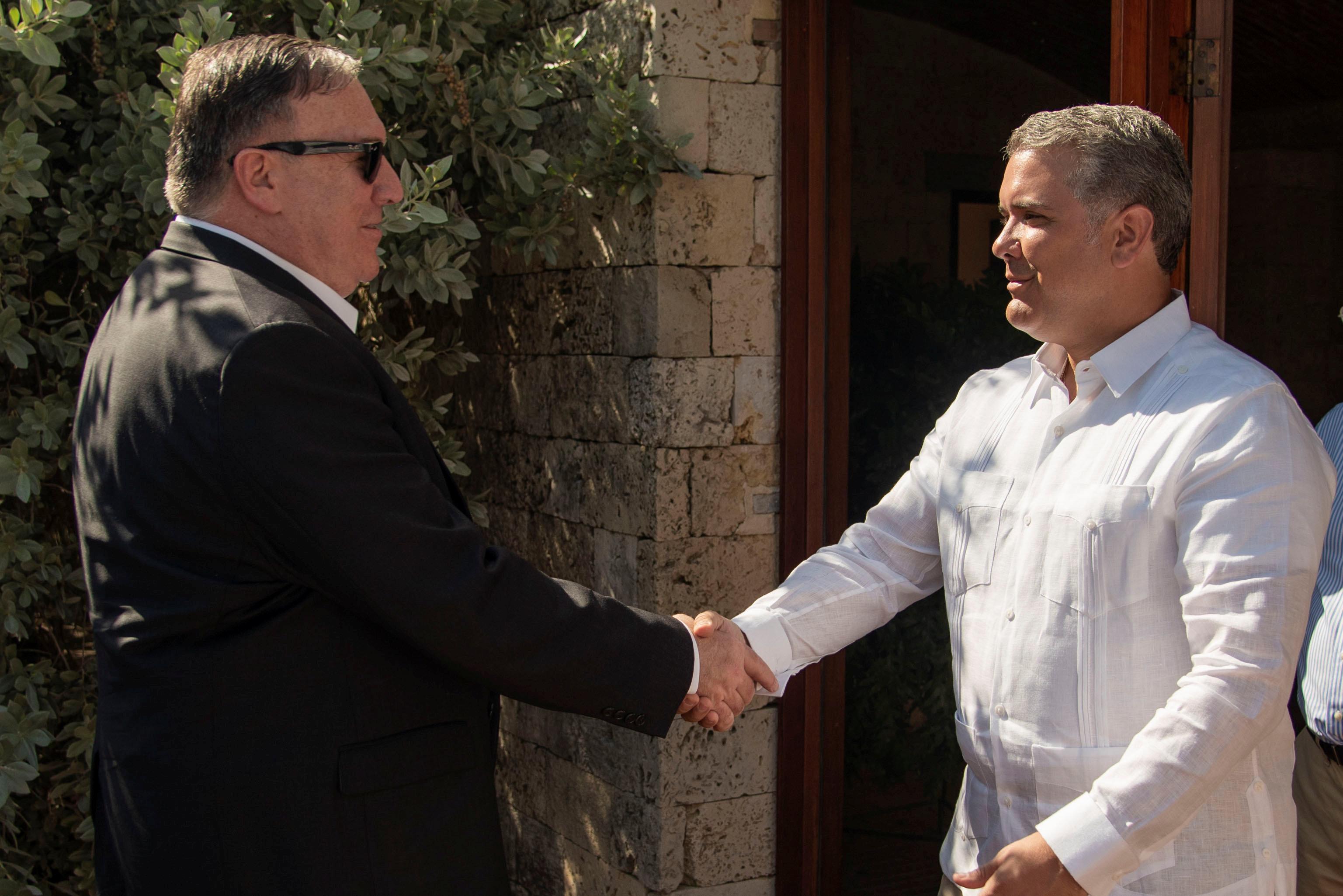 أمريكا وكولومبيا تتفقان على فرض عزلة دبلوماسية  (1)