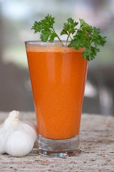 عصير الثوم والبرتقال والبقدونس