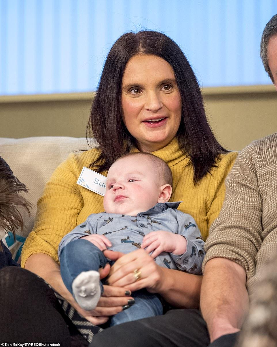 زوجان بريطانيان يرزقان بطفلها الـ21
