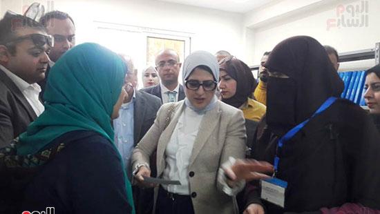 وزيرة الصحة تفتتح وحدتين لطب الأسرة (13)