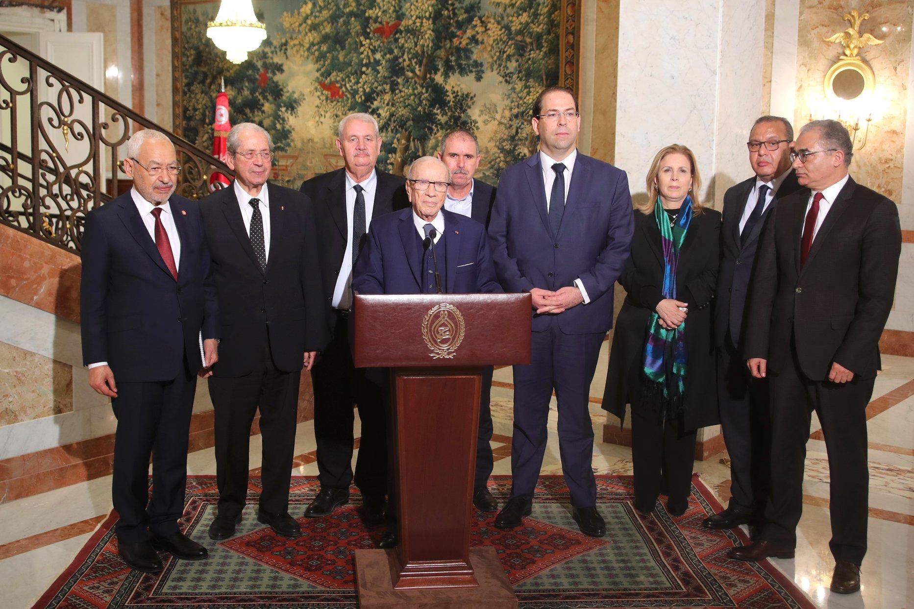 اجتماع سابق للحكومة التونسية والرئيس