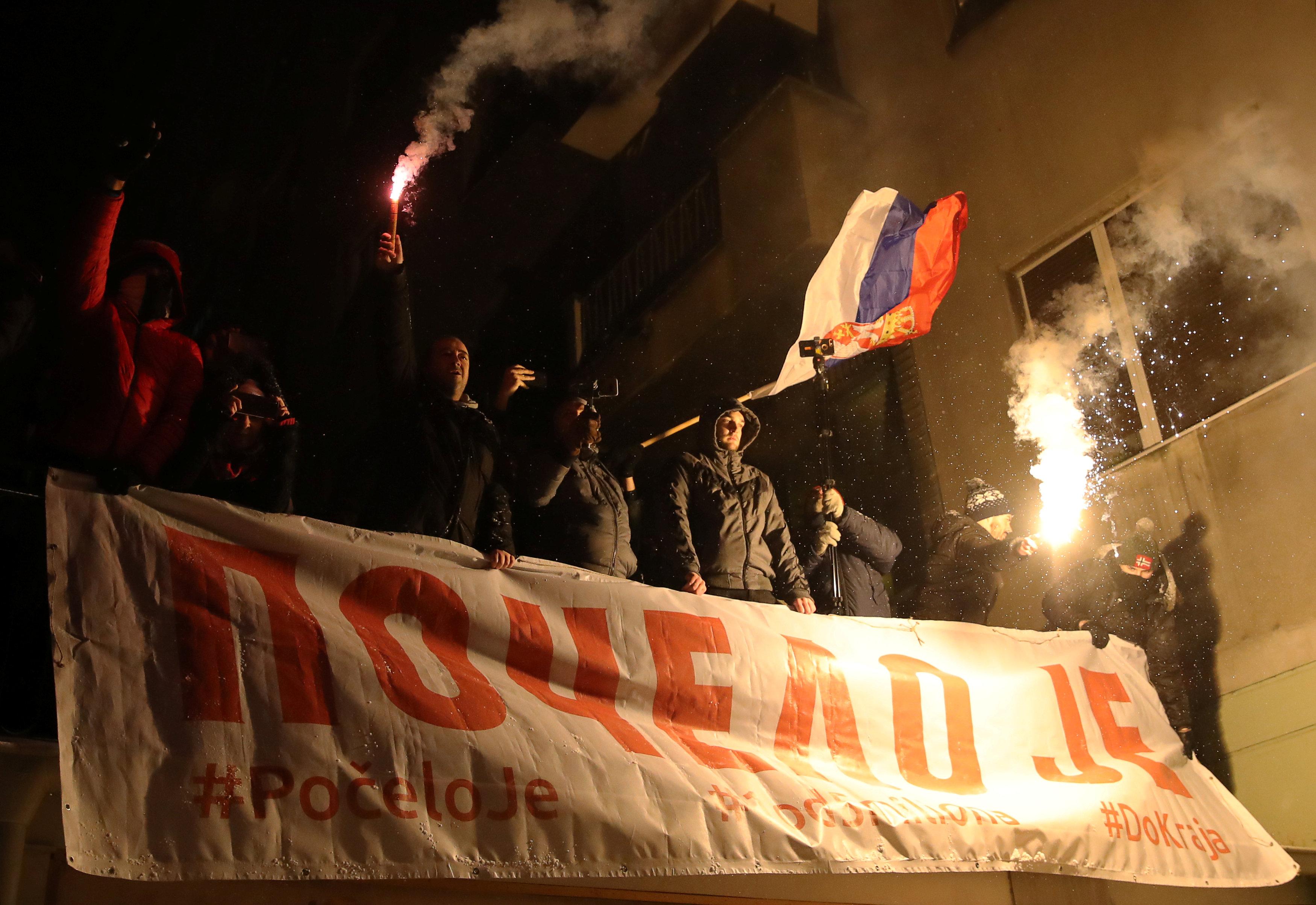 مظاهرات حاشدة فى شوارع بلجراد (8)