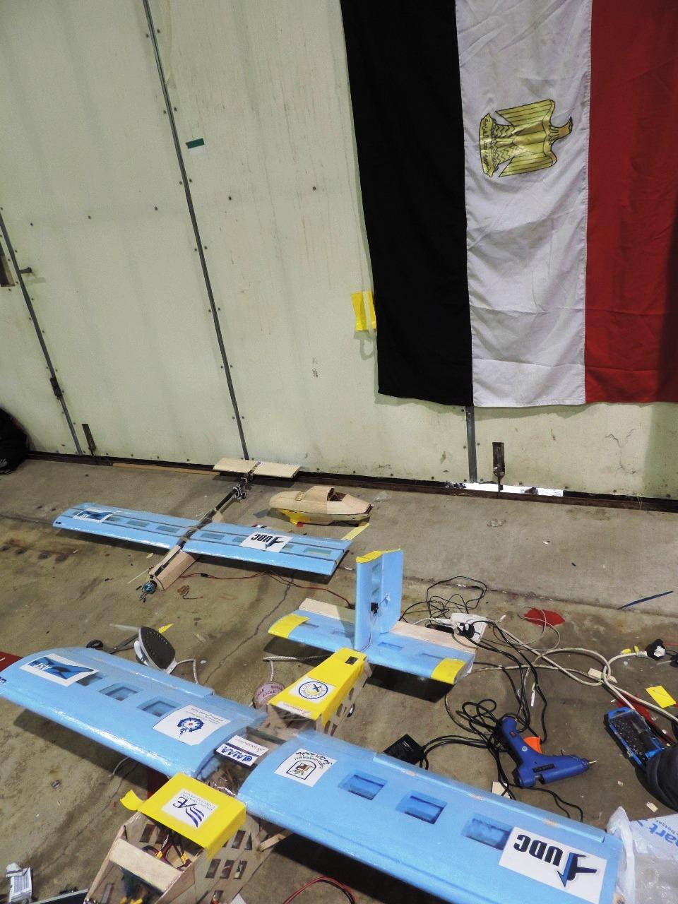 طلاب هندسة القاهرة فريق قسم الطيران والفضاء  (3)