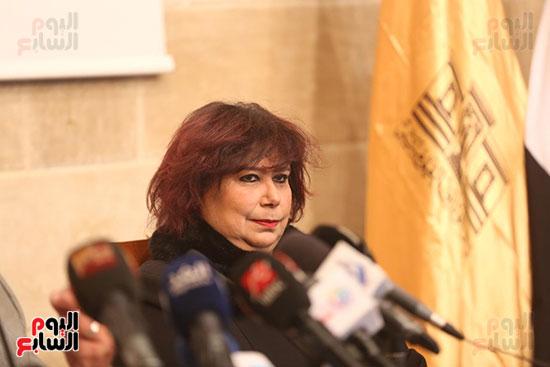 وزيرة الثقافة تتفقد مبنى دار الكتب والعرض المتحفى بصحبة قيادات الوزارة  (25)