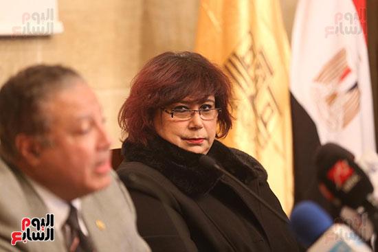 وزيرة الثقافة تتفقد مبنى دار الكتب والعرض المتحفى بصحبة قيادات الوزارة  (16)