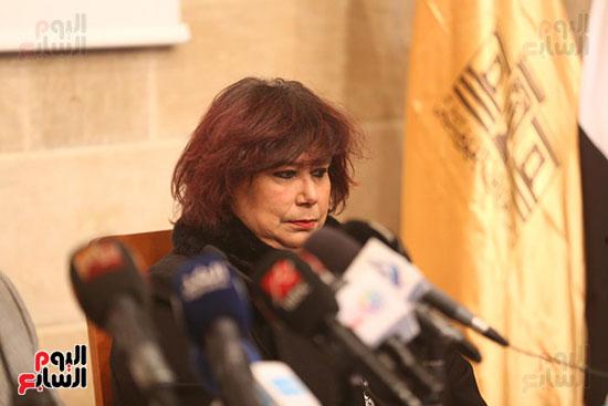 وزيرة الثقافة تتفقد مبنى دار الكتب والعرض المتحفى بصحبة قيادات الوزارة  (22)