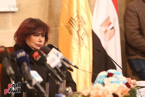 وزيرة الثقافة تتفقد مبنى دار الكتب والعرض المتحفى بصحبة قيادات الوزارة  (21)