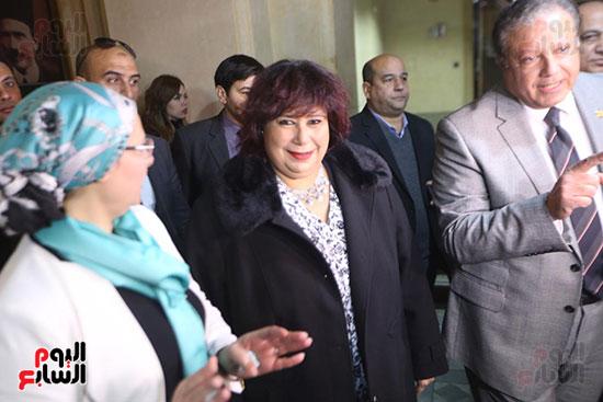 وزيرة الثقافة تتفقد مبنى دار الكتب والعرض المتحفى بصحبة قيادات الوزارة  (13)