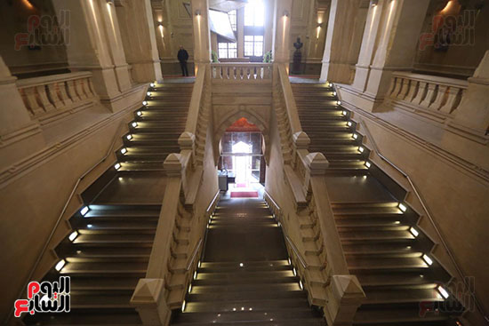 وزيرة الثقافة تتفقد مبنى دار الكتب والعرض المتحفى بصحبة قيادات الوزارة  (6)