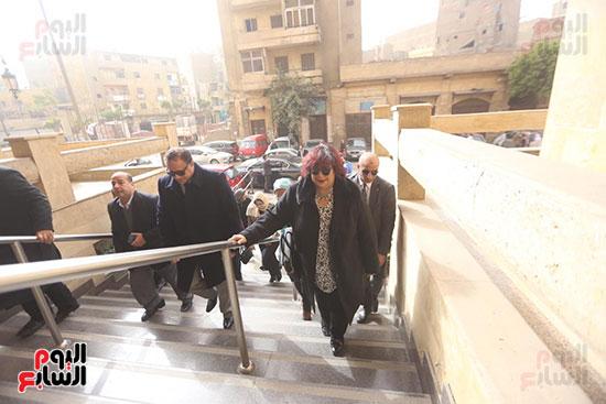 وزيرة الثقافة تتفقد مبنى دار الكتب والعرض المتحفى بصحبة قيادات الوزارة  (12)