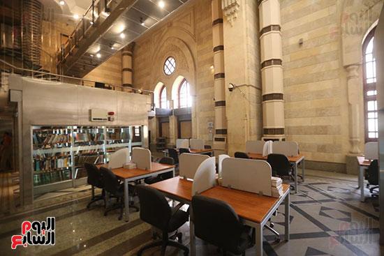 وزيرة الثقافة تتفقد مبنى دار الكتب والعرض المتحفى بصحبة قيادات الوزارة  (5)