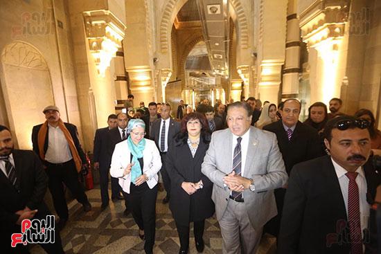 وزيرة الثقافة تتفقد مبنى دار الكتب والعرض المتحفى بصحبة قيادات الوزارة  (14)