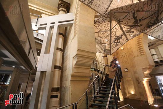 وزيرة الثقافة تتفقد مبنى دار الكتب والعرض المتحفى بصحبة قيادات الوزارة  (2)