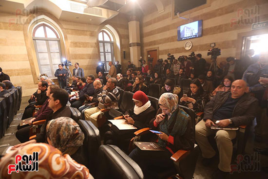 وزيرة الثقافة تتفقد مبنى دار الكتب والعرض المتحفى بصحبة قيادات الوزارة  (20)